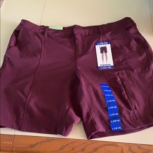 NWT 32 degree cool burgundy shorts